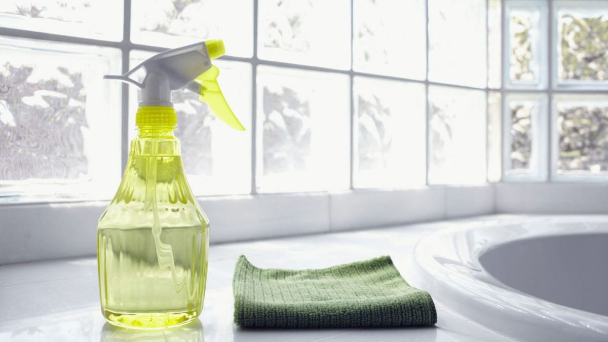 Pulire Casa con Aceto Bianco: 7 Prodotti di Cui Puoi Far a Meno